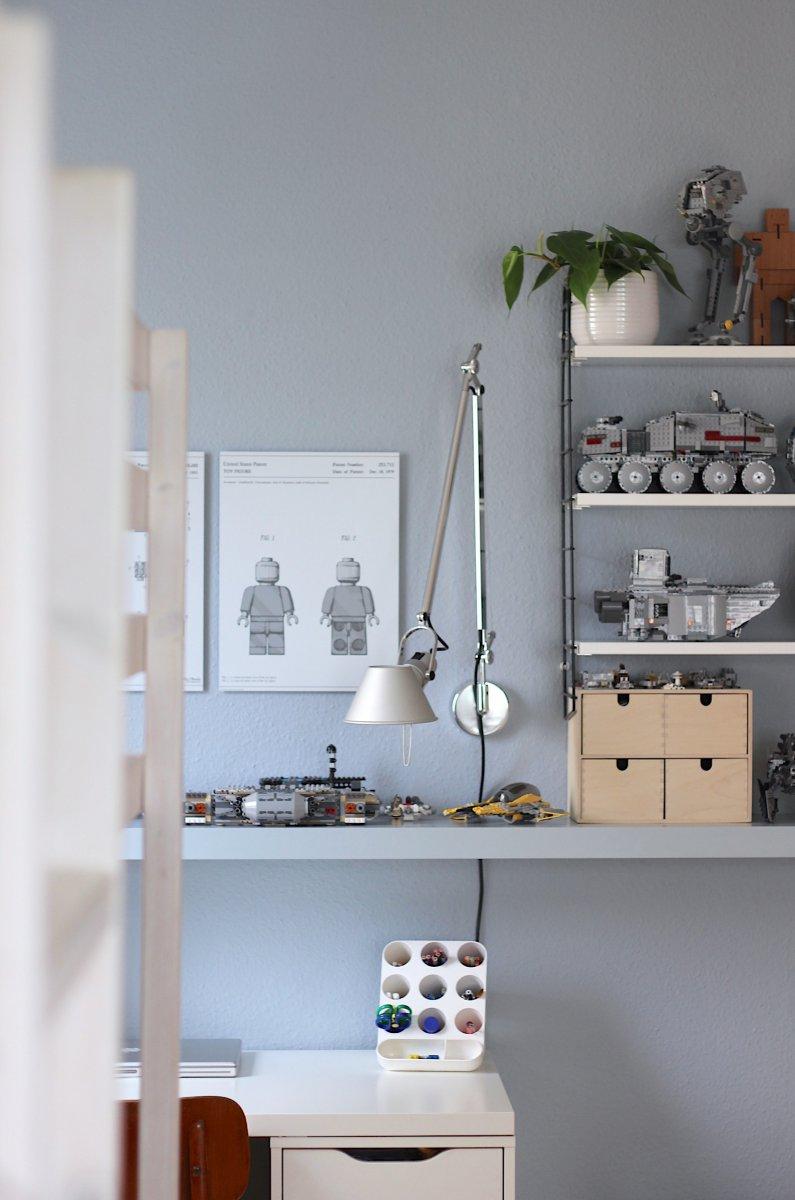 legowand und neue farbe f r s kinderzimmer labelfrei me. Black Bedroom Furniture Sets. Home Design Ideas