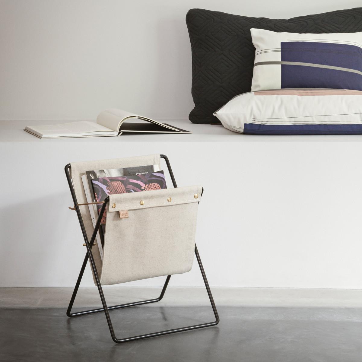 ferm-living-herman-magazinhalter-colour-block-kissen-ambiente